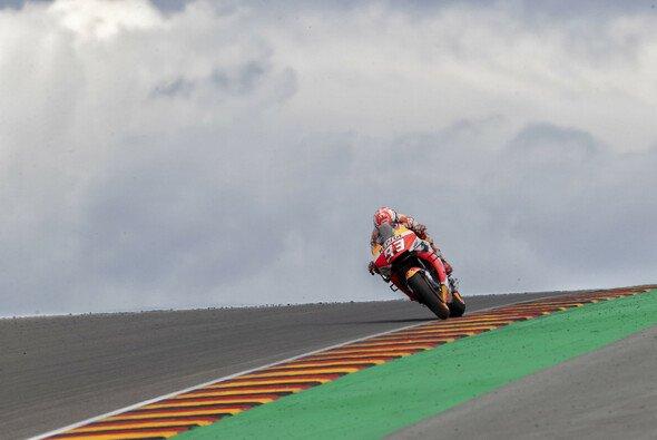 Marc Marquez holte am Sachsenring seine 10. Pole Position - Foto: Repsol