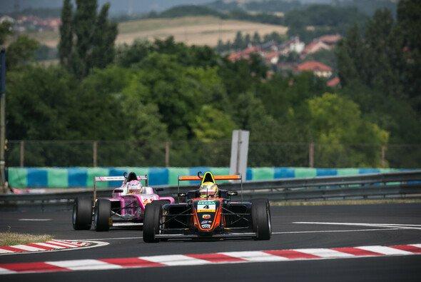 Niklas Krütten fuhr zum ersten Mal auf dem Hungaroring - Foto: Van Amersfoort Racing