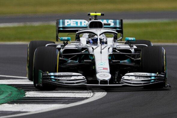 Valtteri Bottas fuhr im 2. Freien Training der Formel 1 in Silverstone die Bestzeit - Foto: LAT Images
