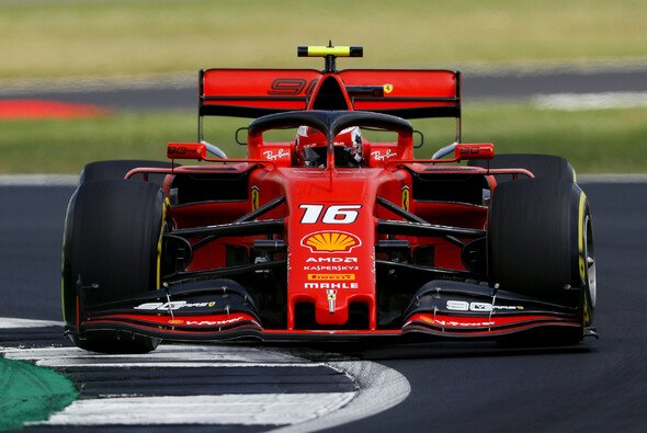 Charles Leclerc holte sich im Abschlusstraining die Bestzeit vor Teamkollege Sebastian Vettel - Foto: LAT Images
