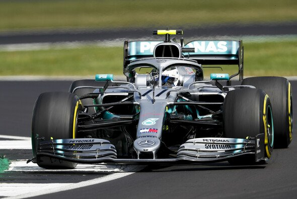 Valtteri Bottas im 2. Freien Training - Foto: LAT Images