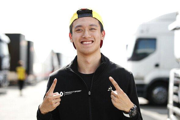 Renault beförderte Guanyu Zhou zum Testfahrer - Foto: LAT Images