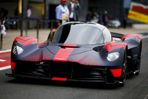 Schlagzeilen wie mit der Valkyrie will Aston Martin durch sein Formel-1-Engagement regelmäßig schreiben - Foto: LAT Images