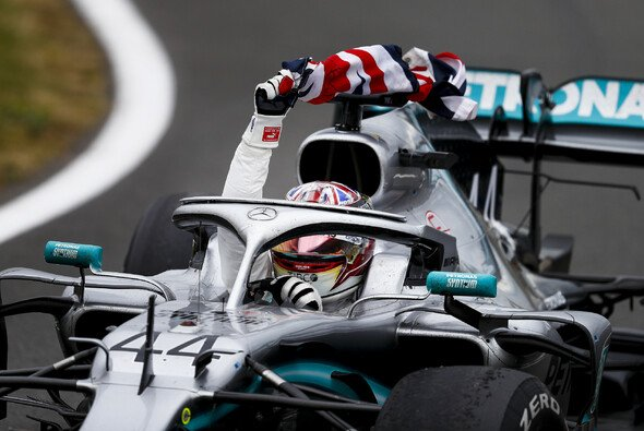 Lewis Hamilton zeigte der Formel 1 in Silverstone, was er kann - Foto: LAT Images