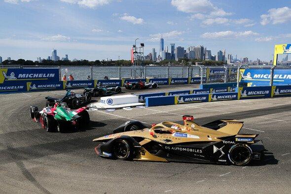 Wahnsinns-Kulisse: Die Formel E ist zurück in New York - Foto: LAT Images