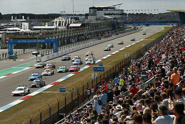 Die DTM gastierte am Wochenende zum ersten Mal auf dem TT Circuit Assen - Foto: Audi Communications Motorsport
