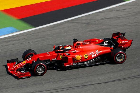 Sebastian Vettel holte sich die erste Bestzeit in Hockenheim - Foto: LAT Images