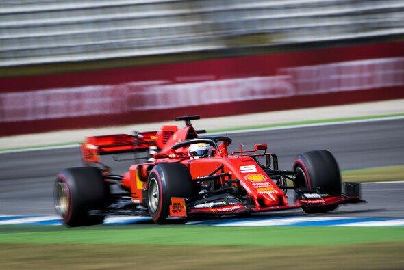 Sebastian Vettel fühlte sich im Ferrari in den Formel-1-Trainings auf dem Hockenheimring wieder wohl - Foto: LAT Images