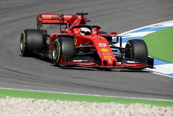 Ferrari bringt in Ungarn neue Aero-Teile an den SF90 - Foto: LAT Images