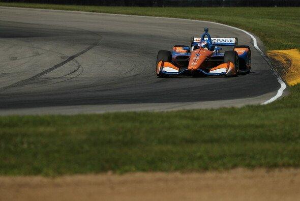 Scott Dixon feiert seinen zweiten Saisonsieg - Foto: IndyCar