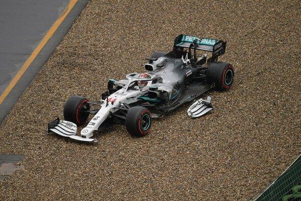Lewis Hamilton versenkte in Hockenheim Sieg-Chancen in der Bande - Foto: LAT Images