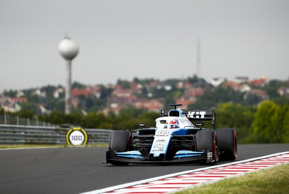 George Russell lieferte im Ungarn-Qualifying groß ab - Foto: LAT Images