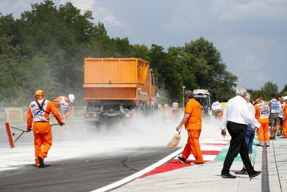 Lewis Hamilton fuhr im verkürzten 3. Training in Ungarn Bestzeit - Foto: LAT Images