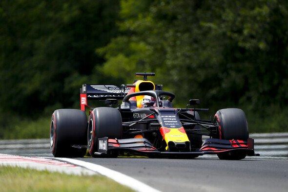 Max Verstappen startet in Ungarn von Pole! - Foto: LAT Images