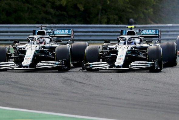 Valtteri Bottas klagte nach dem Rennen über Leclerc - und Hamilton - Foto: LAT Images
