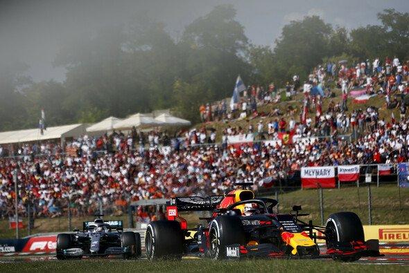 Lewis Hamilton war in Ungarn klar schneller als Max Verstappen - Foto: LAT Images
