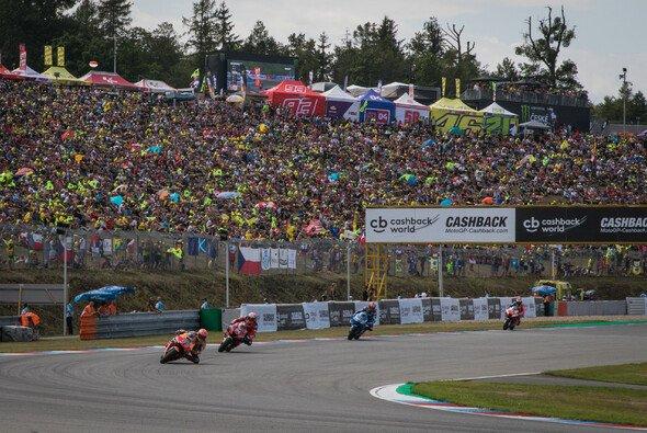 Das MotoGP-Rennen in Brünn findet dieses Jahr ohne Zuschauer statt - Foto: Tobias Linke