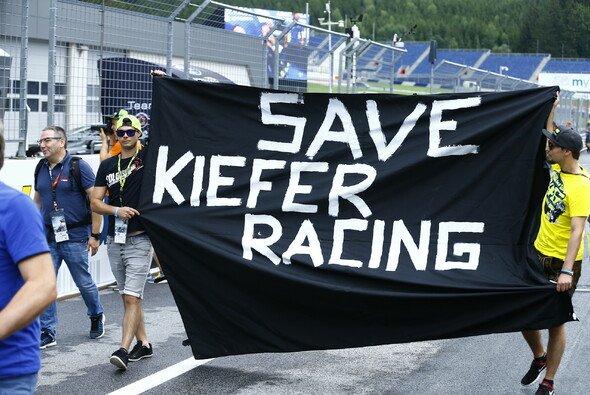 Die Protestaktionen zeigten nur bedingt Wirkung: Aus der Motorrad-WM ist Kiefer Racing raus - Foto: Gerhard Schiel