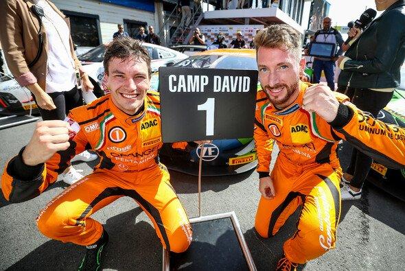 Erster Saisonsieg für Mirko Bortolotti und Christian Engelhart - Foto: ADAC GT Masters