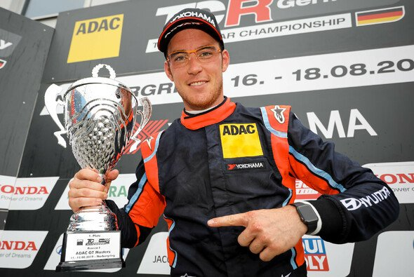 Rallyestar Thierry Neuville krönt seinen Gaststart in der ADAC TCR Germany - Foto: ADAC TCR Germany