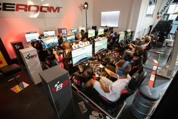 Gelungen: die Live-Event-Premiere der ADAC GT Masters Esports Championship - Foto: ADAC GT Masters
