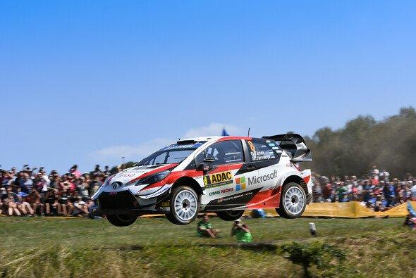 Ott Tänak feiert bei der Rallye Deutschland einen Hattrick - Foto: LAT Images