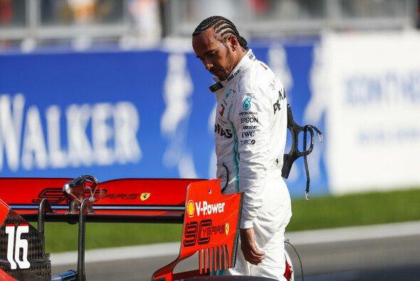 Lewis Hamilton hätte den ersten Sieg von Ferrari-Pilot Charles Leclerc beim Formel-1-Rennen in Spa beinahe verhindert - Foto: LAT Images