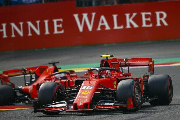 Ferrari lässt Leclerc und Vettel weiter gegeneinander fahren - Foto: LAT Images