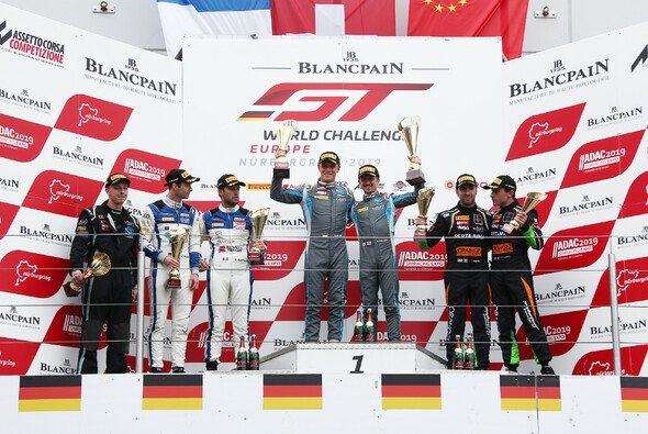 Marvin Kirchhöfer und Ricky Collard standen ganz oben auf dem Podest - Foto: R-Motorsport