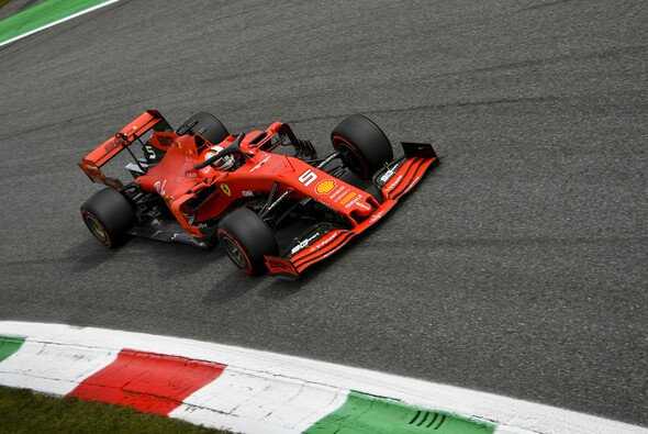 Die Parabolica wäre Sebastian Vettel fast zum Verhängnis geworden - Foto: LAT Images
