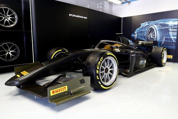 Die Formel 1 sattelt 2021 um auf 18-Zoll-Felgen (im Bild: Formel-2-Showcar) - Foto: Pirelli