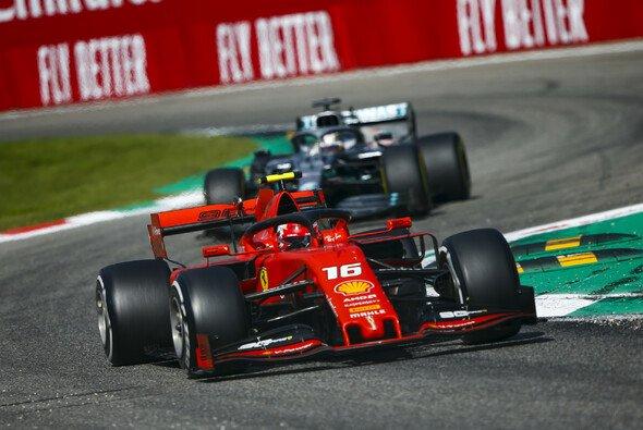 Charles Leclerc hat beim Formel-1-Rennen in Monza seinen zweiten Sieg gefeiert - Foto: LAT Images