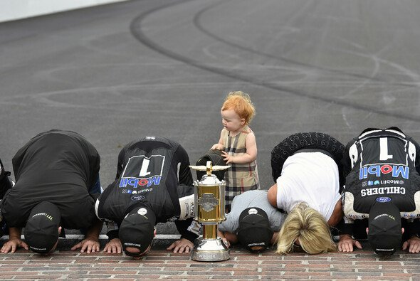 Kissing the Bricks - Foto: LAT Images
