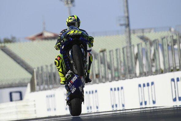 Valentino Rossi & Co. testen am Dienstag in Misano - Foto: MotoGP