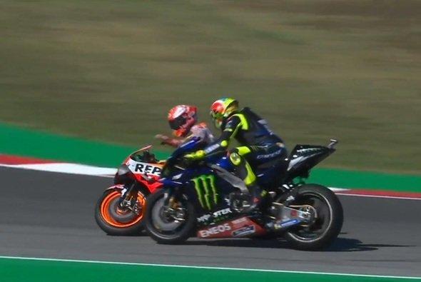 Zwischen Rossi und Marquez ging es wieder einmal heiß her - Foto: Screenshot/MotoGP