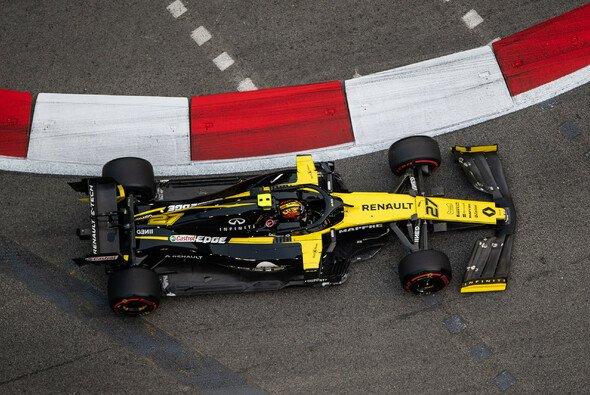 Findet Renault in Singapur noch einen Weg vorbei an McLaren? - Foto: LAT Images