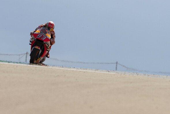 Marc Marquez versetzt die Konkurrenz in Aragon in Staunen - Foto: Repsol