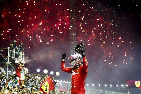Sebastian Vettel gewinnt nach mehr als einem Jahr wieder ein Formel-1-Rennen - Foto: LAT Images