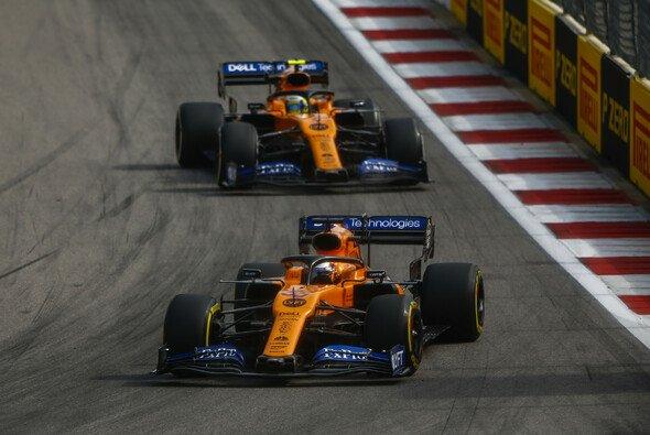 McLaren hat sich nach einem schwachen Freitag mit einem Ausrufezeichen zurückgemeldet - Foto: LAT Images