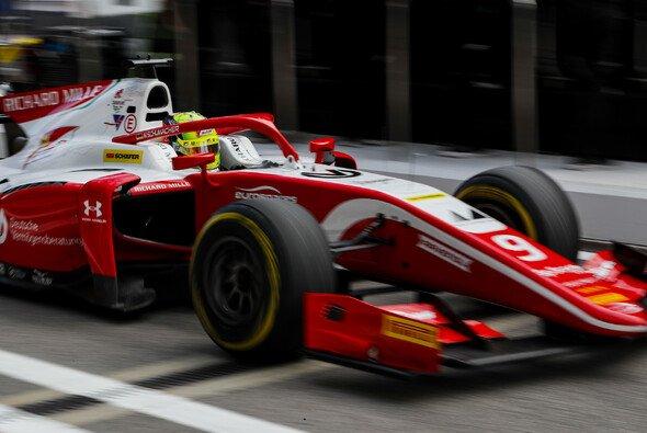 Mick Schumacher kämpft in Abu Dhabi um einen Top-10-Platz - Foto: LAT Images