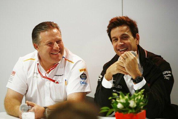 Zak Brown und Toto Wolff erklären das McLaren-Mercedes Comeback in der Formel 1 - Foto: LAT Images