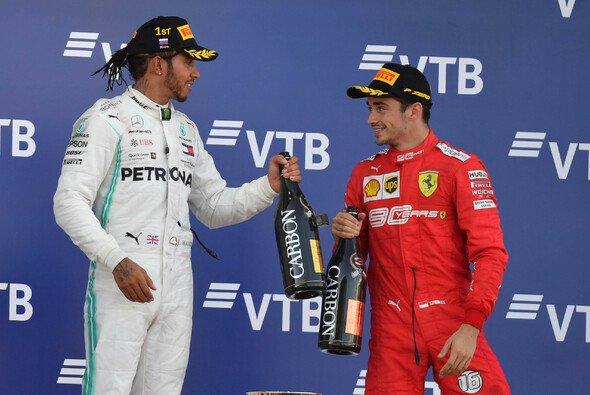 Lewis Hamilton profitierte bei seinem Sieg in Russland von doppeltem Pech bei Ferrari - Foto: LAT Images