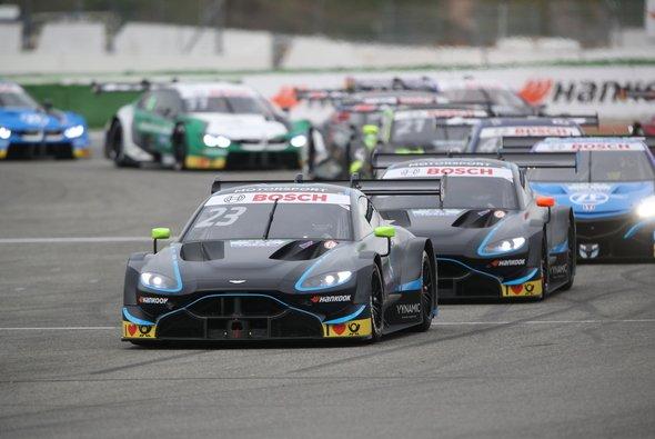 Die Aston Martin Vantage fehlen beim DTM/Super GT-Rennen in Fuji - Foto: R-Motorsport
