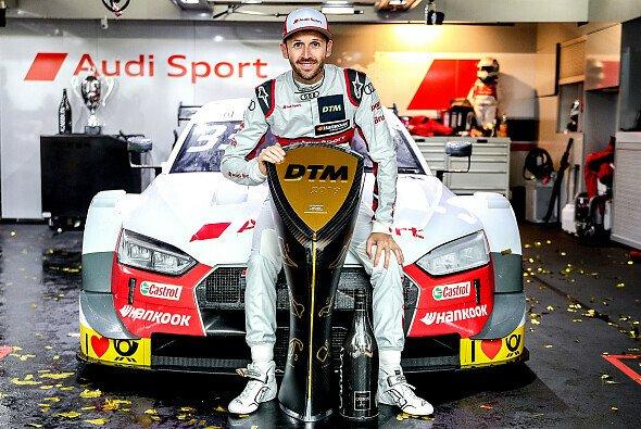 Audi-Star Rene Rast feiert seinen zweiten DTM-Titel nach 2017 - Foto: Audi Communications Motorsport