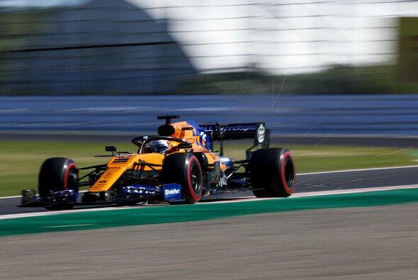 Carlos Sainz dominierte im McLaren das F1-Mittelfeld - Foto: LAT Images