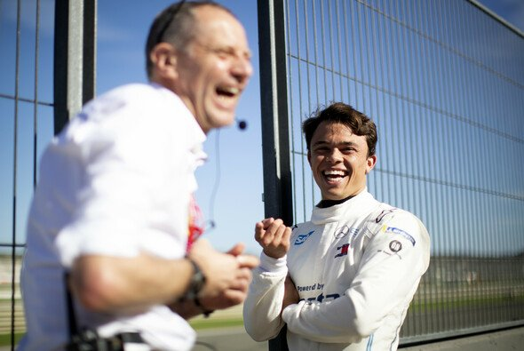Nyck de Vries hat gut Lachen: Werksvertrag bei Mercedes in der Formel E - Foto: LAT Images