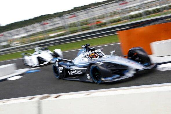 Mercedes gibt sein Debüt als Werksteam in der Formel E - Foto: LAT Images