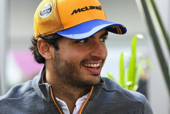 Carlos Sainz soll das zweite Ferrari-Cockpit bekommen - Foto: LAT Images