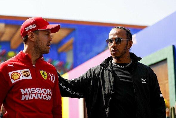 Lewis Hamilton möchte Sebastian Vettel auch 2021 als Rivale in der Formel 1 sehen - Foto: LAT Images
