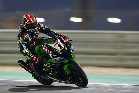 Jonathan Rea gewinnt zum vierten Mal in Serie in Katar - Foto: LAT Images